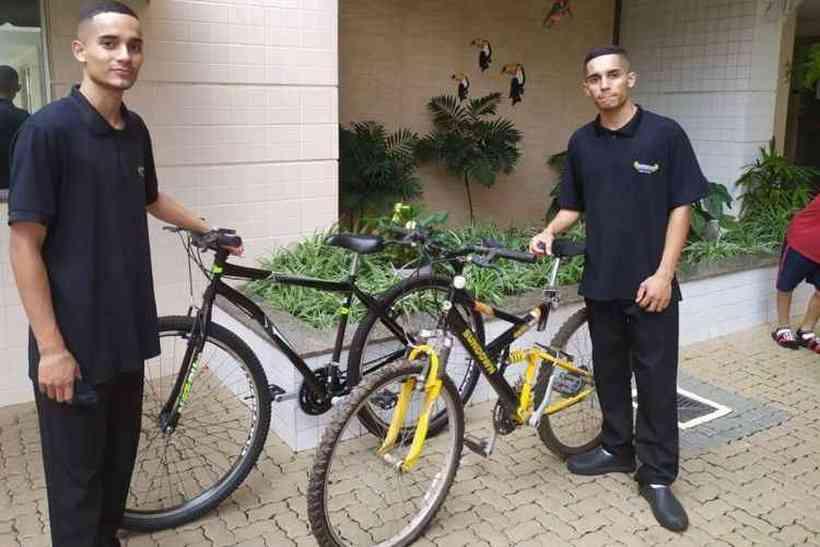 Bicicletas são doadas em Águas Claras para funcionários roubados