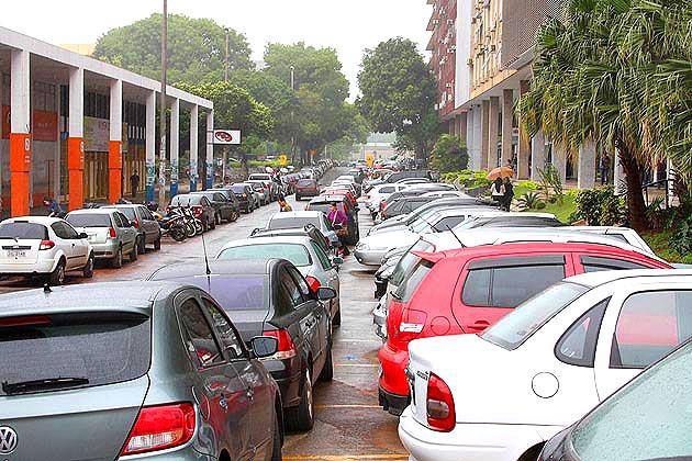 População contribui com ideias sobre estacionamentos rotativos