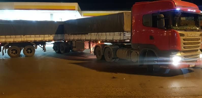 Carreta roubada é recuperada pela PMDF em Águas Claras